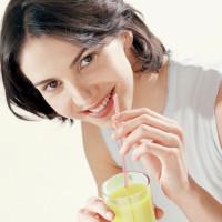 Вода с лимоном натощак. Польза утреннего напитка