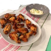 Куриные крылышки в духовке с майонезным соусом