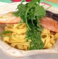 Филе лосося с соусом